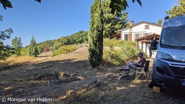 Overnachten in de tuin van Nederlanders in Toscane